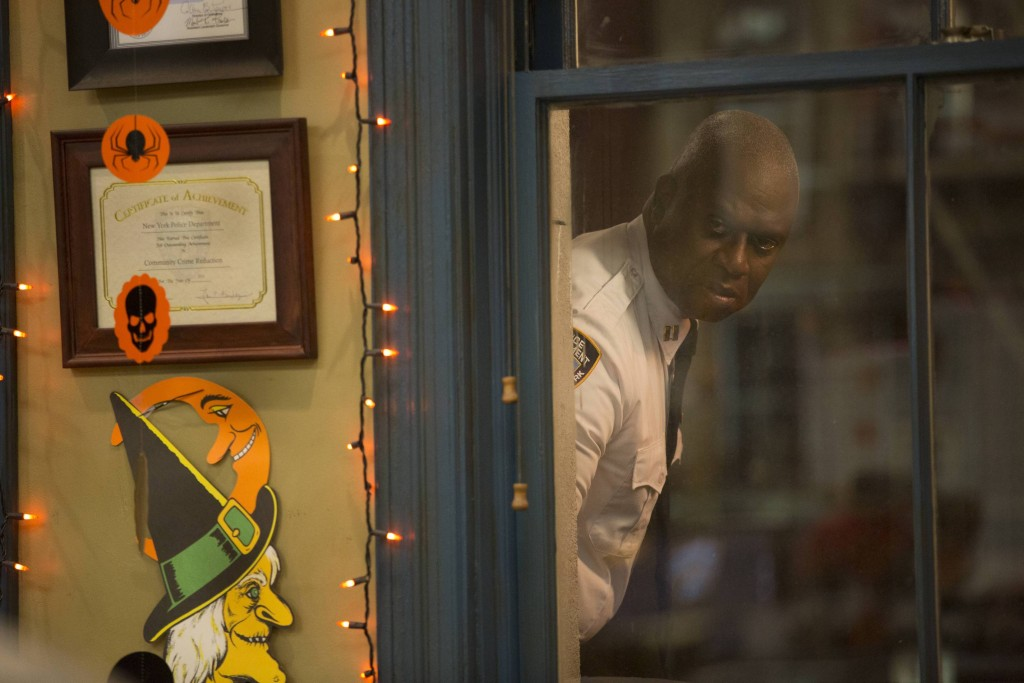 "BROOKLYN NINE-NINE: L-R: Andre Braugher in the ""Halloween 3""  ©2015 Fox Broadcasting Co. Cr: FOX"