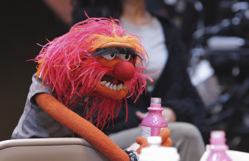 """THE MUPPETS - """"Pig Out""""- (ABC/Andrea McCallin) ANIMAL"""