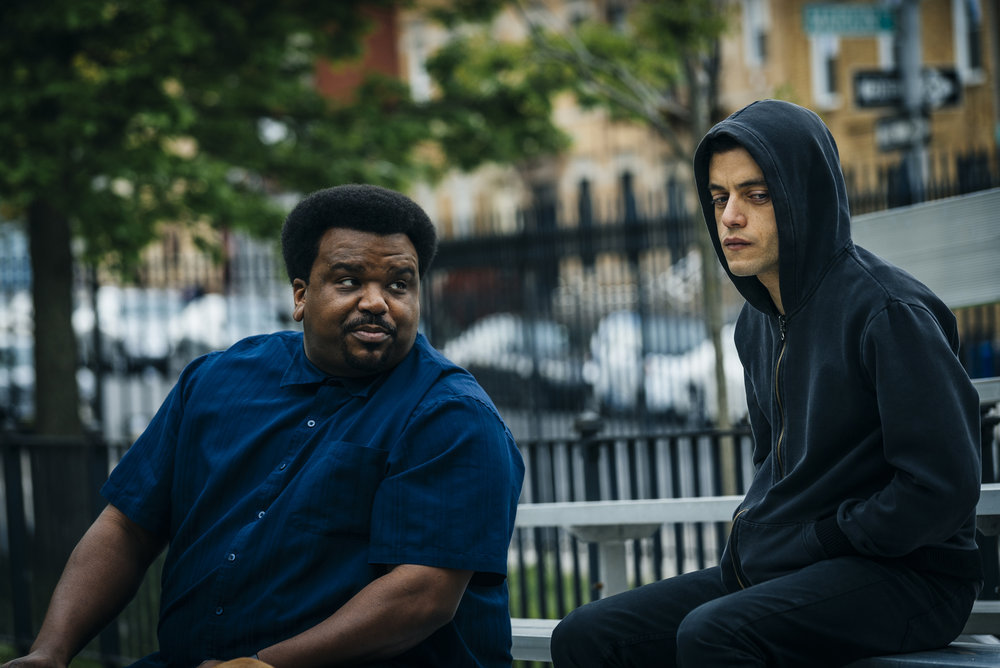 """MR. ROBOT -- """"eps2.0_unm4sk%u2010pt2.tc"""" Episode 202 -- Pictured: (l-r) Craig Robinson as Ray, Rami Malek as Eliot Alderson -- (Photo by: Michael Parmelee/USA Network)"""